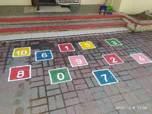 מספרים בגן רימון