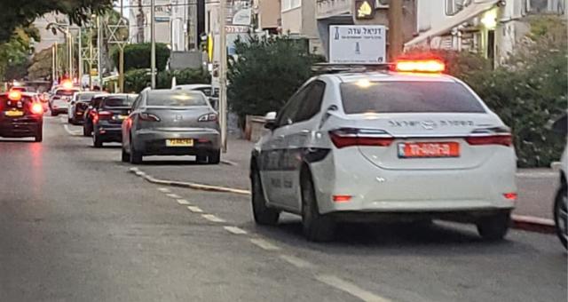 כוחות משטרה הוזעקו למקום, שדרות משה גושן