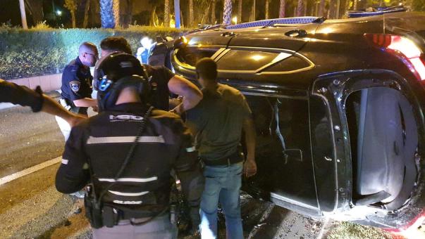 הרכב התהפך סמוך לתחנת משטרת זבולון