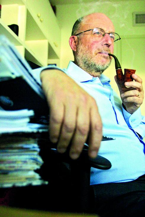 """אודי בוך. """"כתבתי יותר מעשרת אלפים מכתבים""""   צילום: עמית מגל"""